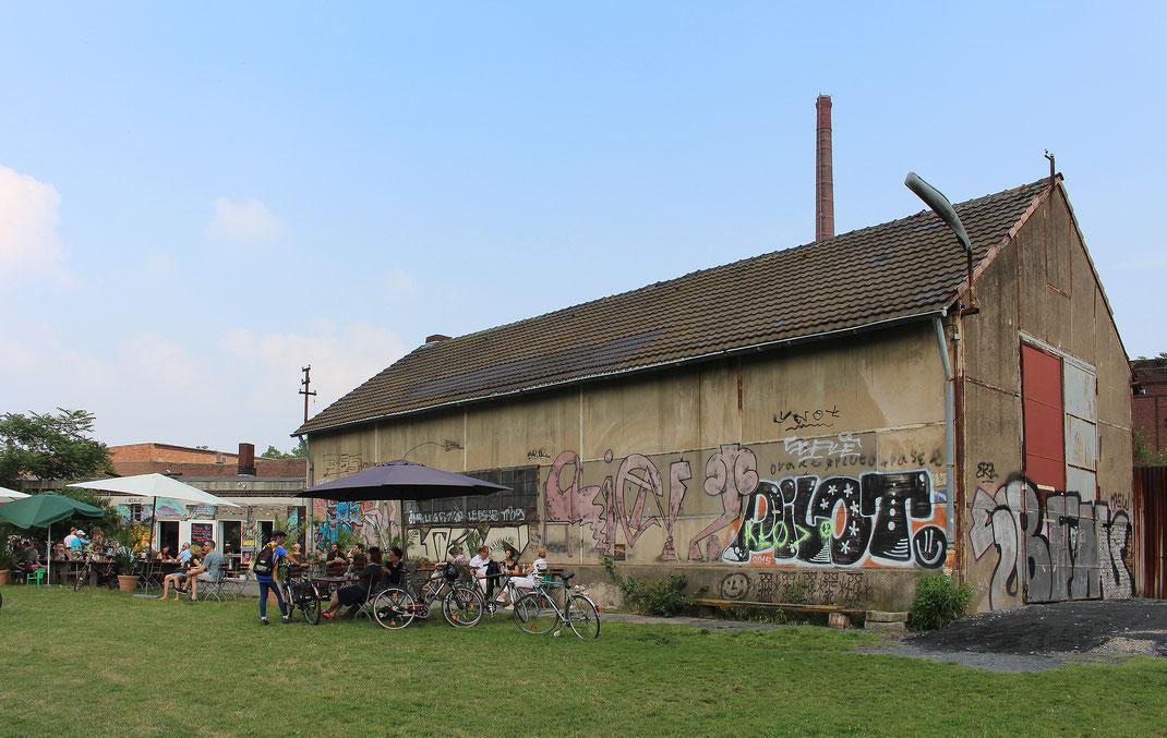 Außergewöhnlicher Ort für soziales Miteinander: Lokschuppen am Mülheimer Hafen mit Gastronomie des Lindgens Restaurants. Foto: Eva Rusch