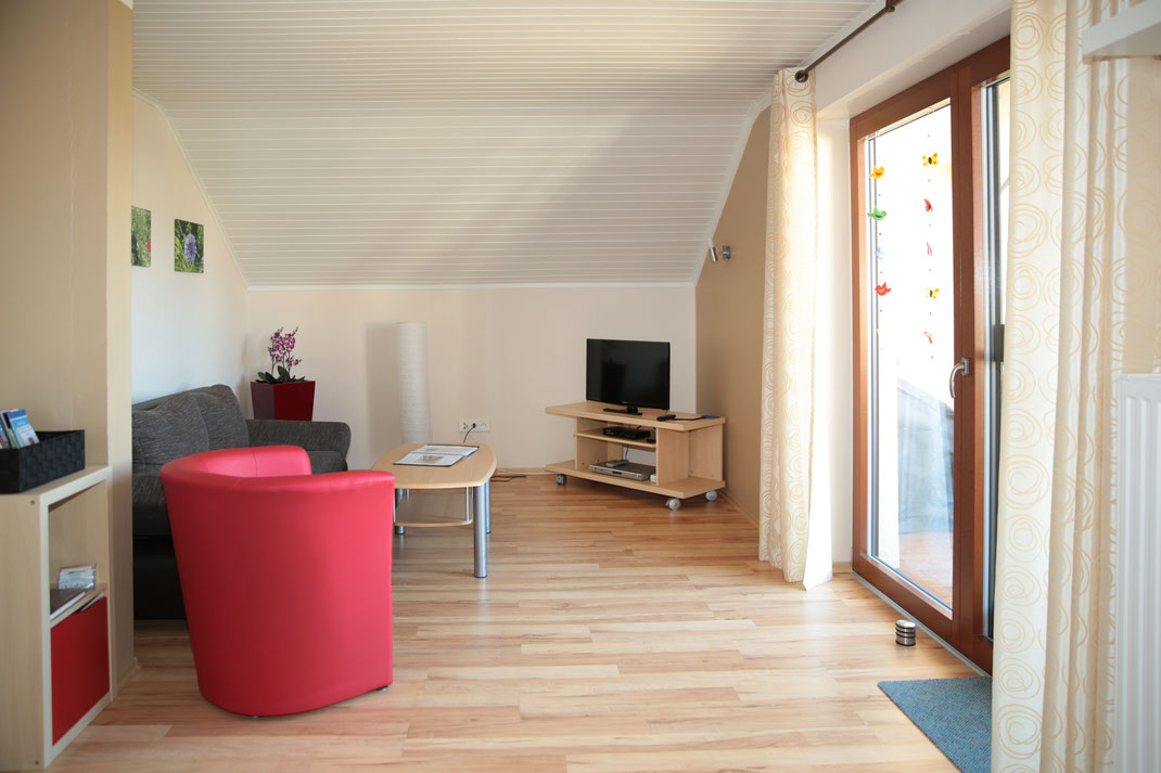 Wohnzimmer Mit Lese Und Spielecke Living Room With Reading And