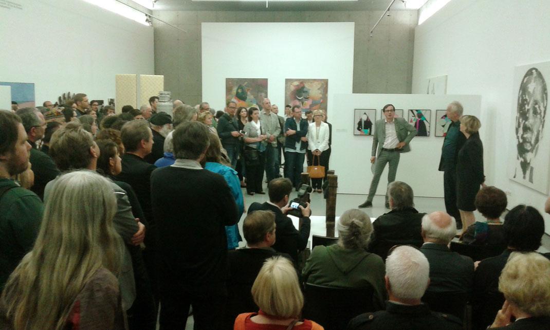 Schnappschuss Eröffnungsrede Günther Oberhollenzer von NACH PICASSO