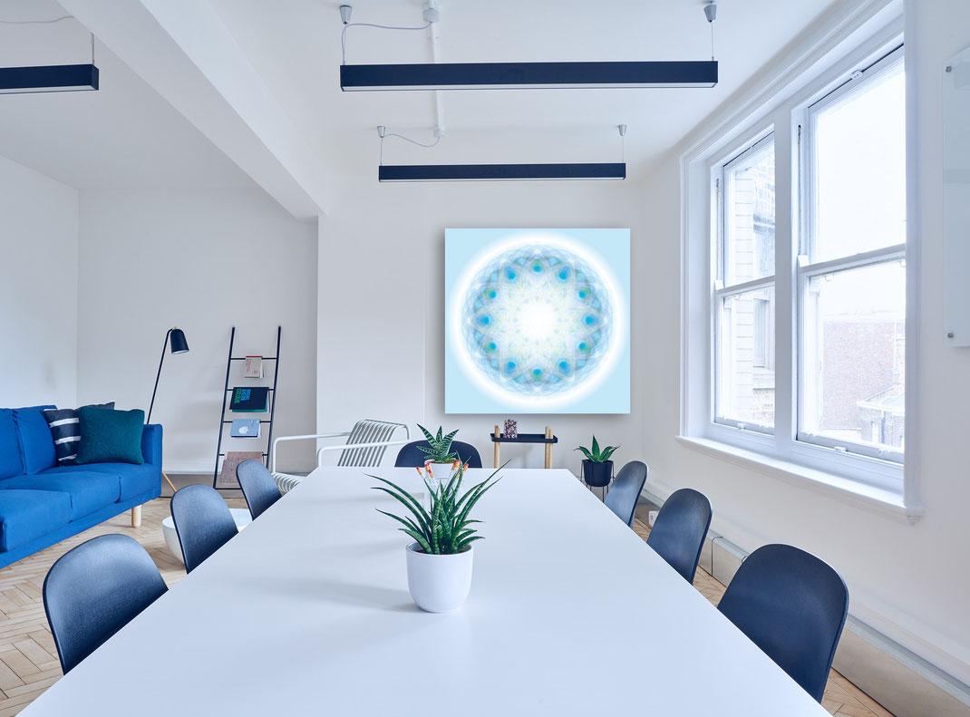 Lebendiger Kristall in einem Wohnraum oder Office © Susanne Barth. Freie Arbeit. Foto: Pixabay