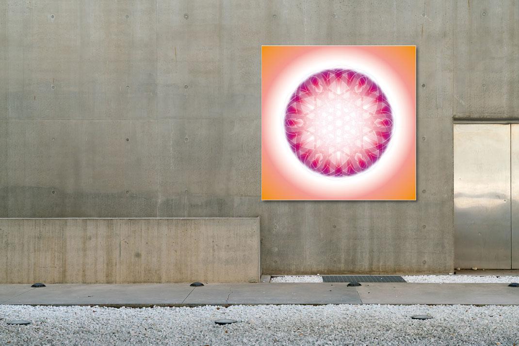 Lebendiger Kristall als universelles Klangbild © Susanne Barth - an einer Außenwand/öffentlicher Raum. Hier eine Montage mit Foto: Moose by Icons8