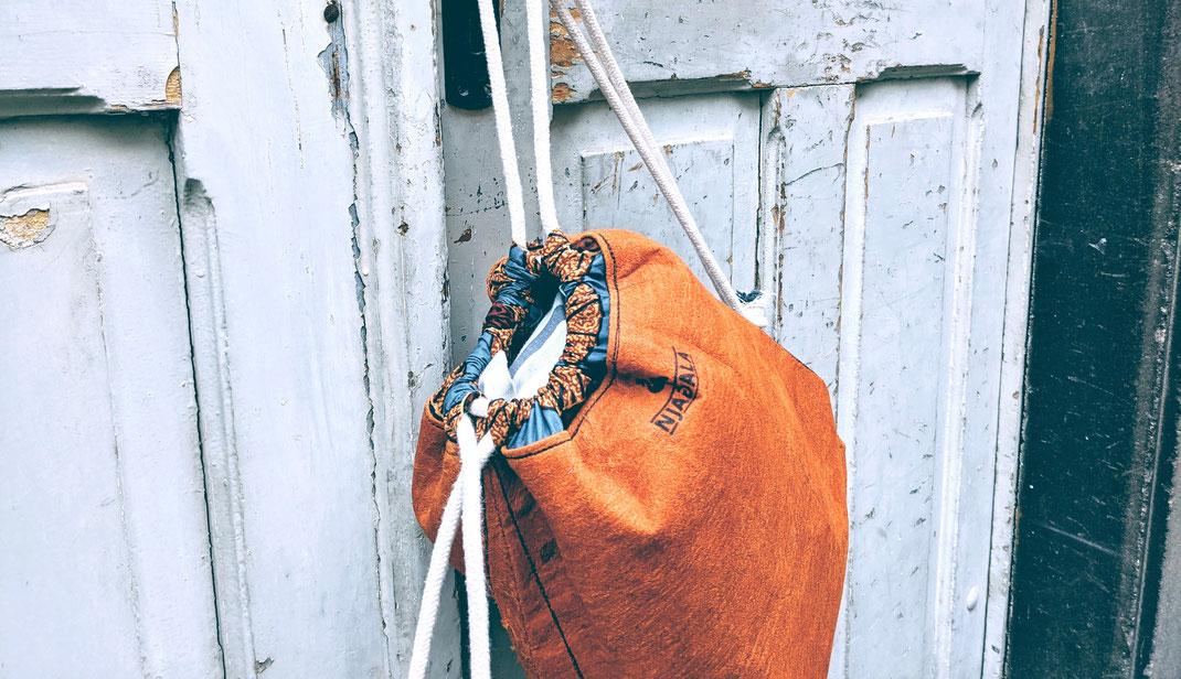 Nachhaltige Mode made in Uganda von einem sozialen Karlsruher Projekt: veganes Leder, slow Fashion und faire Produktion - das ist Njagala.