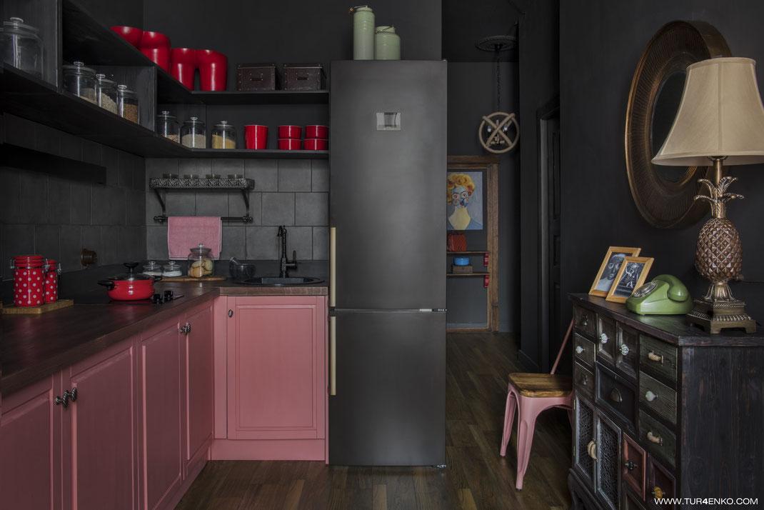дизайн кухни-гостиной в стиле лофт  в темных тонах 89163172980