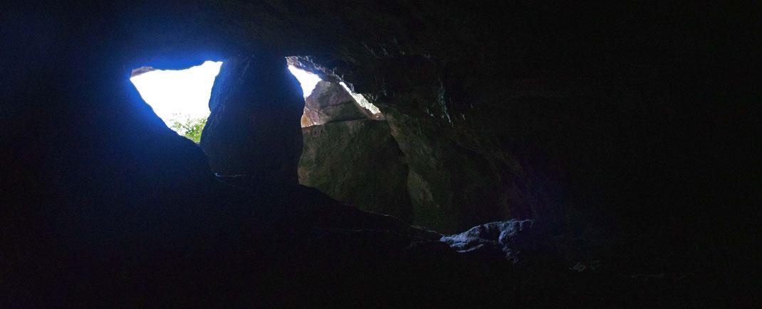 Die Sassa Höhlen in Kwanza Sul Angola