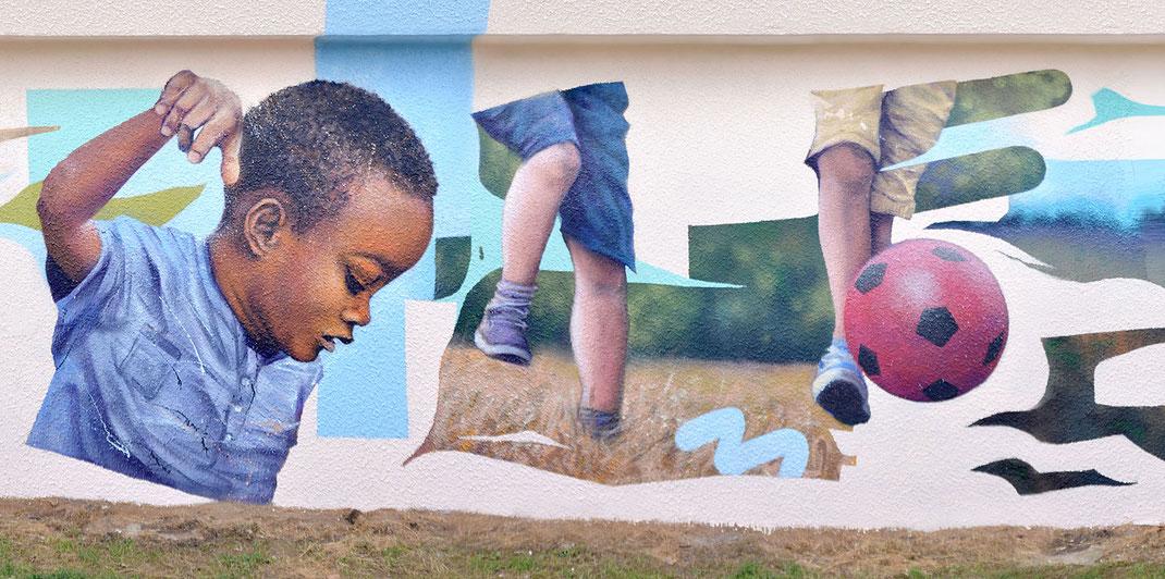fresque murale peinture mur extérieur déco streetart enfants child children mural artist graff france metz moselle graffmatt
