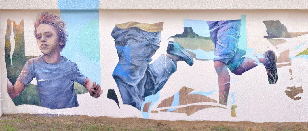 graffiti art peinture murale ecole enfants jouant courant courir sport fresque artistique streetart metz moselle france