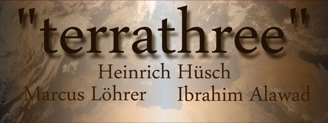 """Banner zur Ausstellung """"terrathree"""" mit Heinrich Hüsch, Ibrahim Alawad und Marcus Löhrer in der Galerie Frutti dell'Arte, verteten auf der Aachener Kunstroute 2016"""