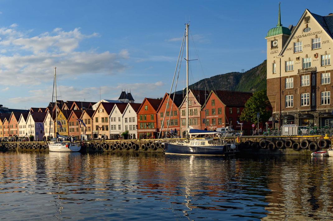 Segelboot Noe im Hafen von Bergen Norwegen