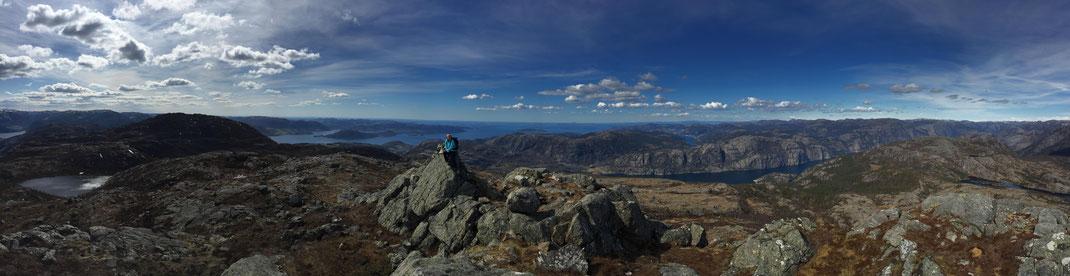 ein super Panorama über den Lysefjord