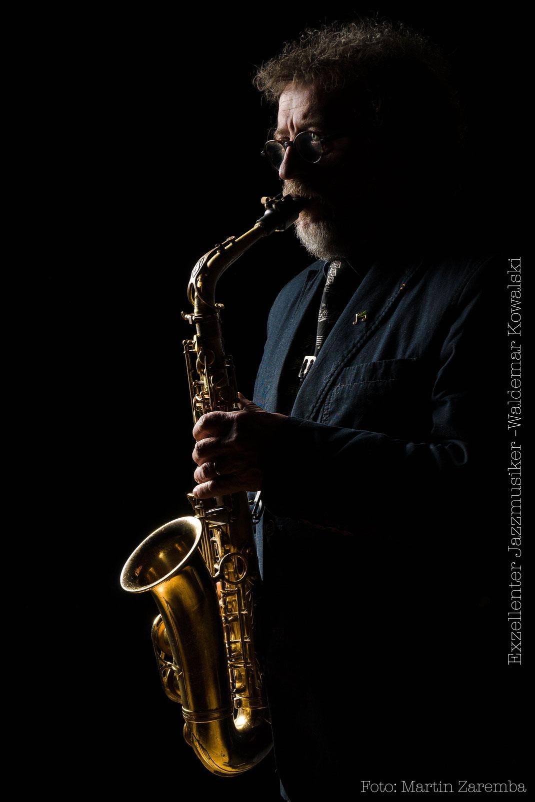 Portrait Jazzmusiker Waldemar Kowalski, Saxophone