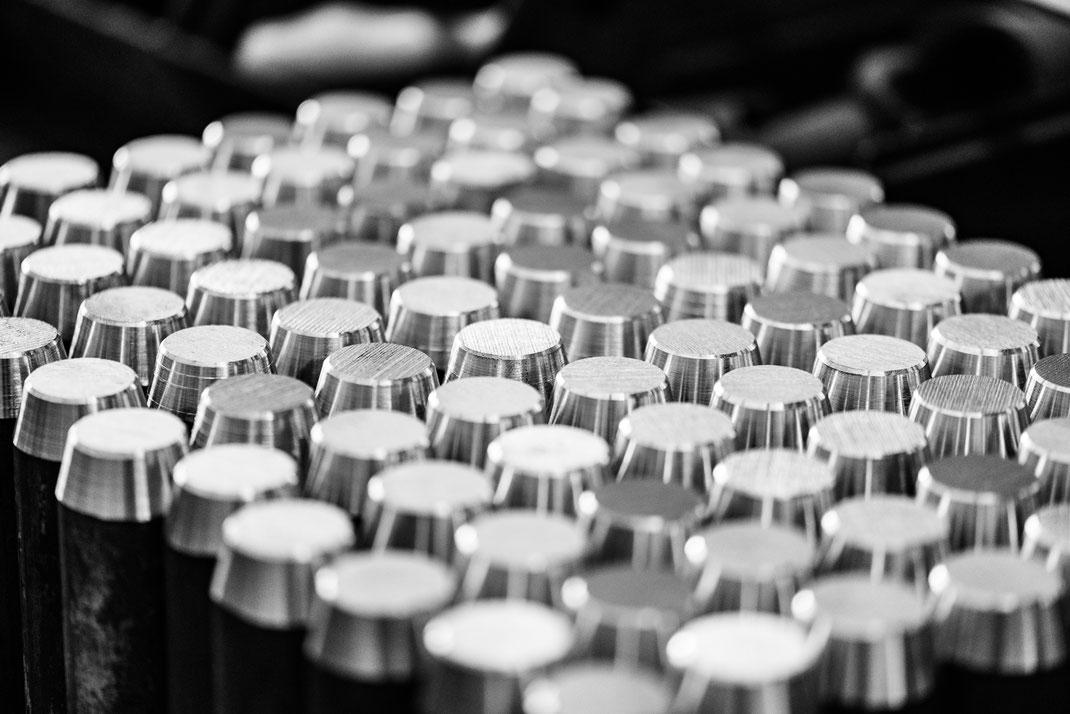 Bolzen Kleinserien Fertigung Stahlbau Metallbau Dreherei Schlosserei Zerspanung cnc Bauteil Lohnzuschnitt plasmaschnitt drehen fräsen