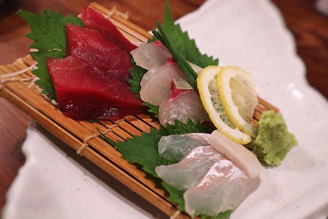 「鮮魚のお刺身3点盛り」(930円)の写真