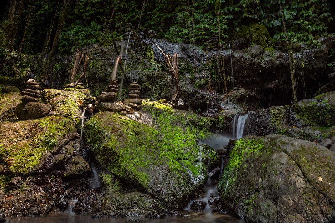 Kleiner Wasserfall neben Tegenungan Wasserfall