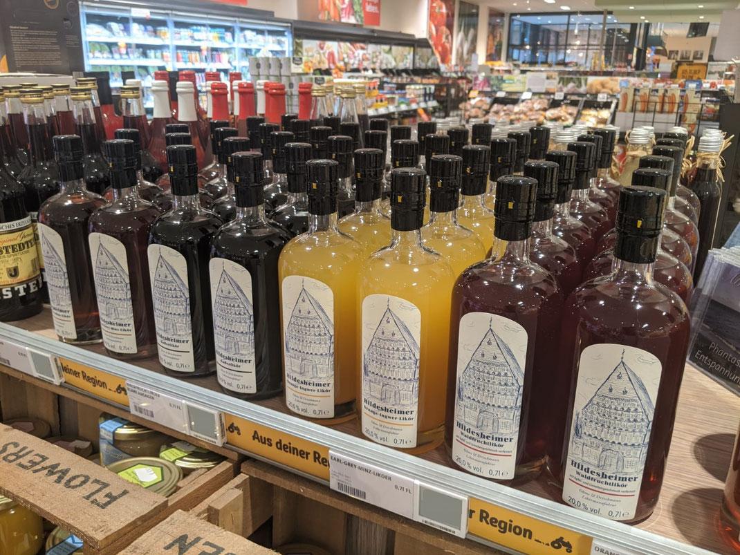 Flaschen mit Likör, Regal, Supermarkt, Hannover, Aus deiner Region, Niedersachsen