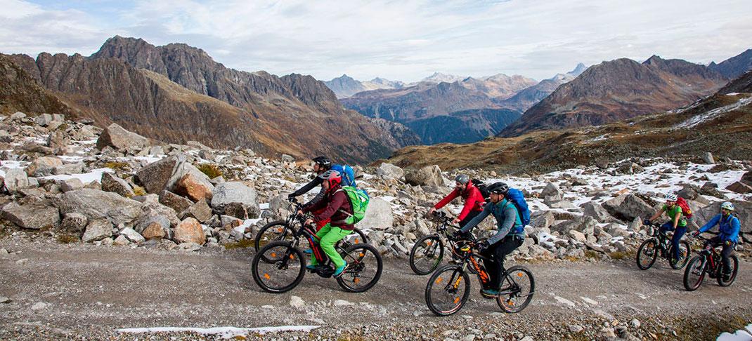 Berge im Licht - Ebike Tour auf die Saarbrücker Hütte - Klettersteig auf den Kleinlitzner