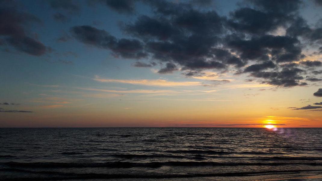 Sonnenuntergang an der lettischen Küste