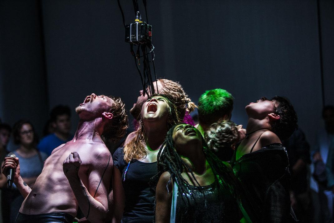 """""""Noise"""" Wiener Festwochen / Junges Theater Basel / Regie: Sebastian Nübling"""