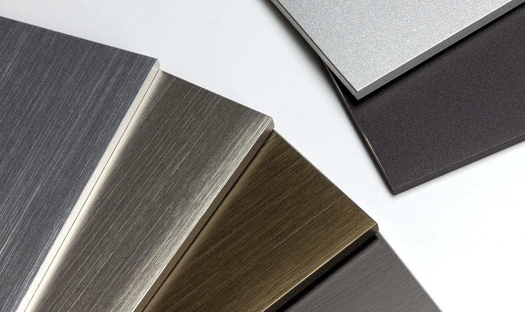 Entry Eingangssysteme in verschiedenen Materialien wie Aluminium, Edelstahl, Messing, Bronze, Baubronze, Mineralwerkstoff oder lackiert in RAL-Farben