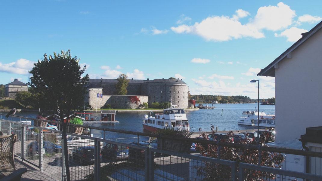 vaxholm suède quai port forteresse restaurant