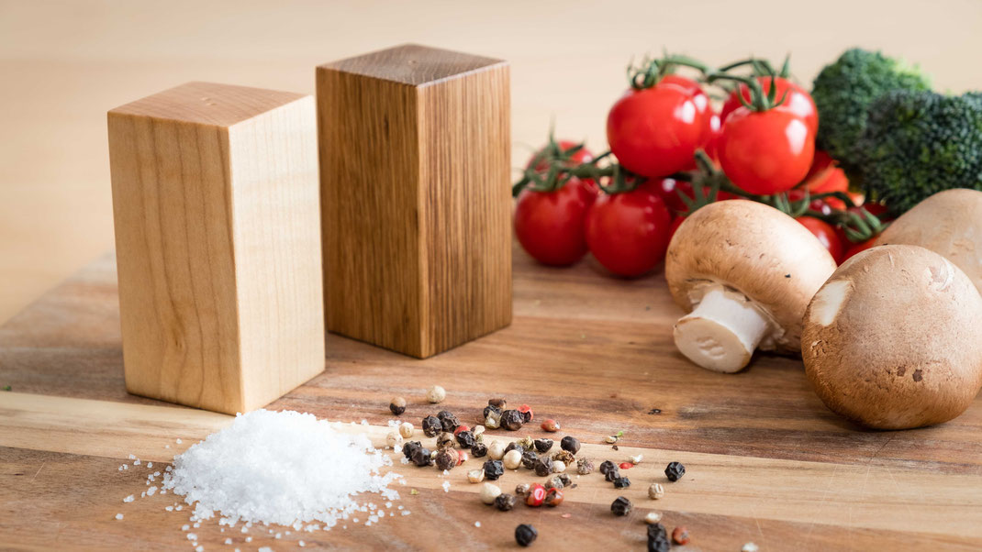 Salz & Pfefferstreuer aus Holz Ahorn und Eiche, Logogravur, Lasergravur Grafikgravur