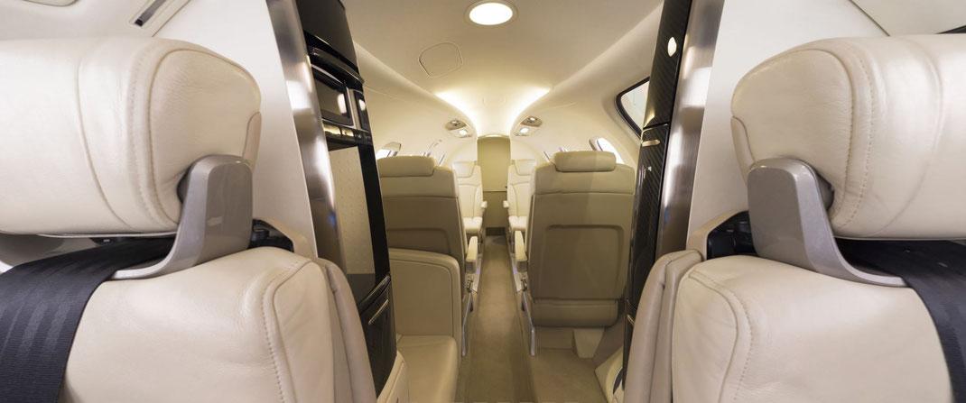 Jet privé HondaJet depuis le cockpit