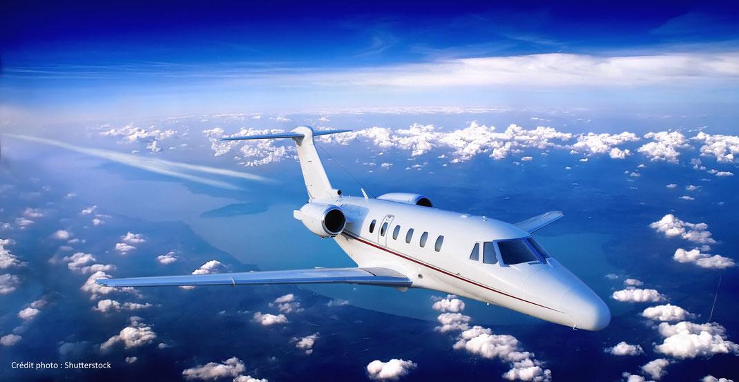 Choisir une compagnie de jets privés low cost. Quelles implications pour les clients ?
