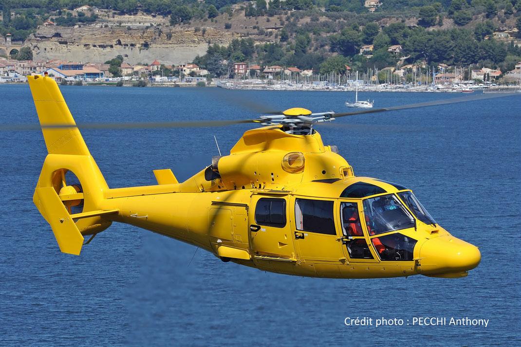 Hélicoptère Dauphin AS365N (bi-turbines)