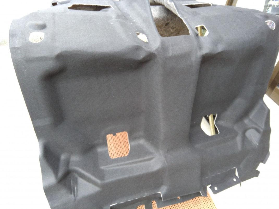 車内カーペット脱着洗浄【取り外したカーペット】新潟