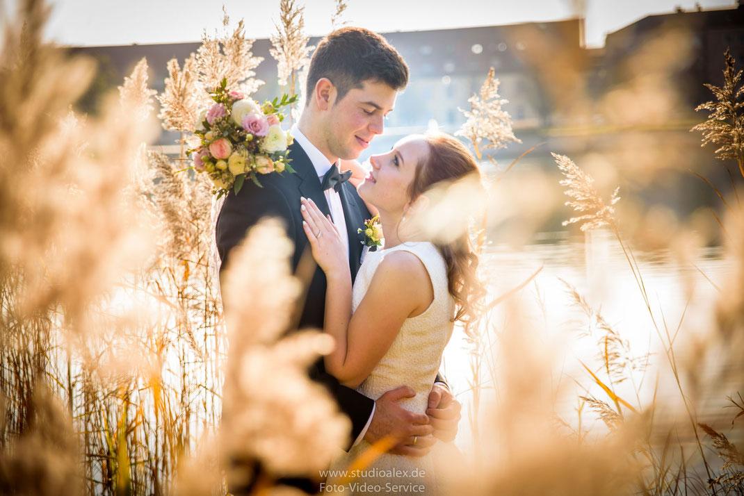 Hochzeitsfotografie Neutraubling, Hochzeitsfotograf Neutraubling, Hochzeitsfotografie standesamtliche Trauung Neutraubling, Fotograf standesamtliche Trauung Neutraubling.