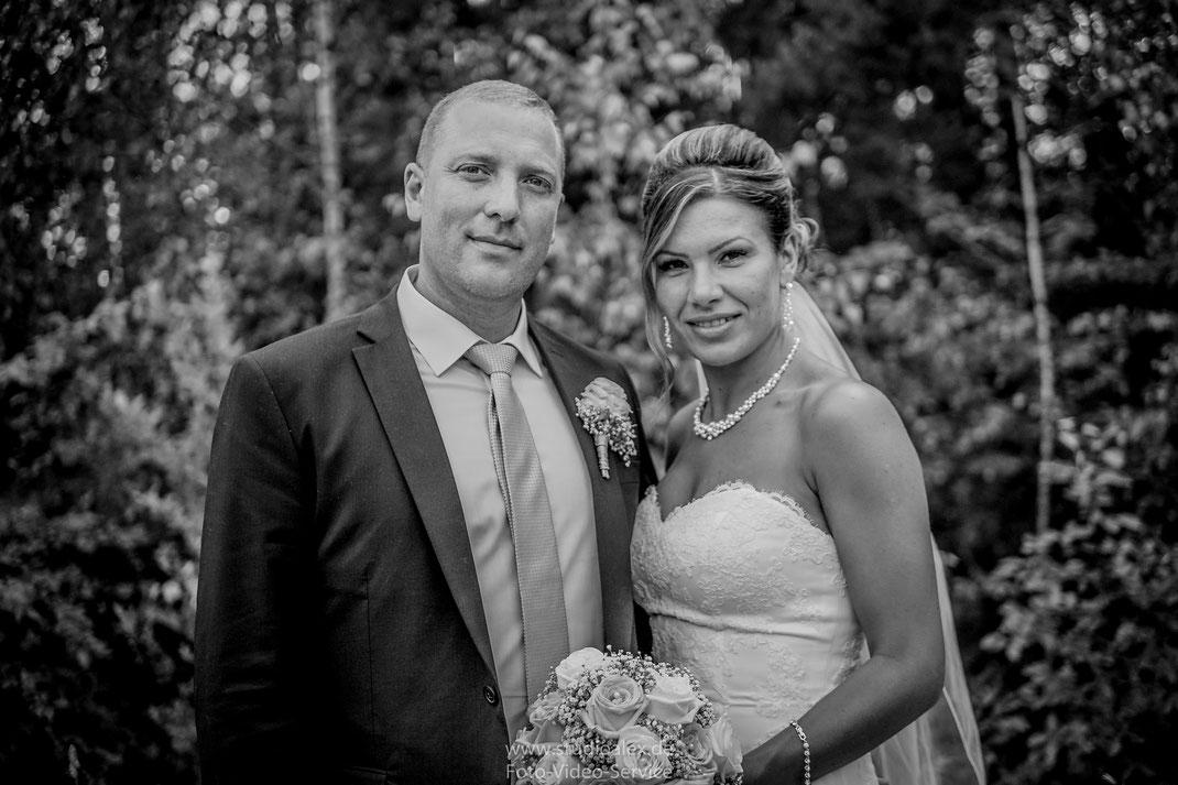 Hochzeit von Taja & Alexander IN DER EVENTHALLE INDOOROTH BEI ROTH, Hochzeitsfotograf Roth, Hochzeitsvideo Roth, Kameramann für Hochzeit in Roth