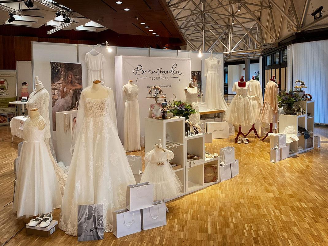 Messestand Brautmoden Tegernsee auf der Hochzeitsmesse in Rosenheim 2021