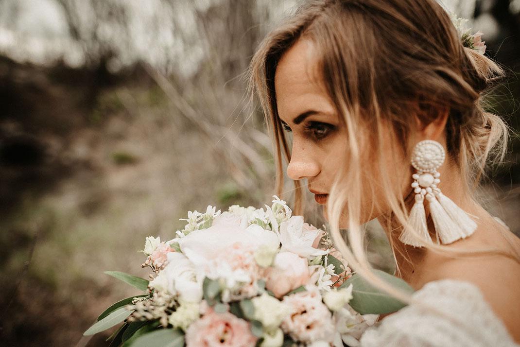 Handgefertigtes Brautkleid Whispers of love der Designerin Tali Amoo von Brautmoden Tegernsee.