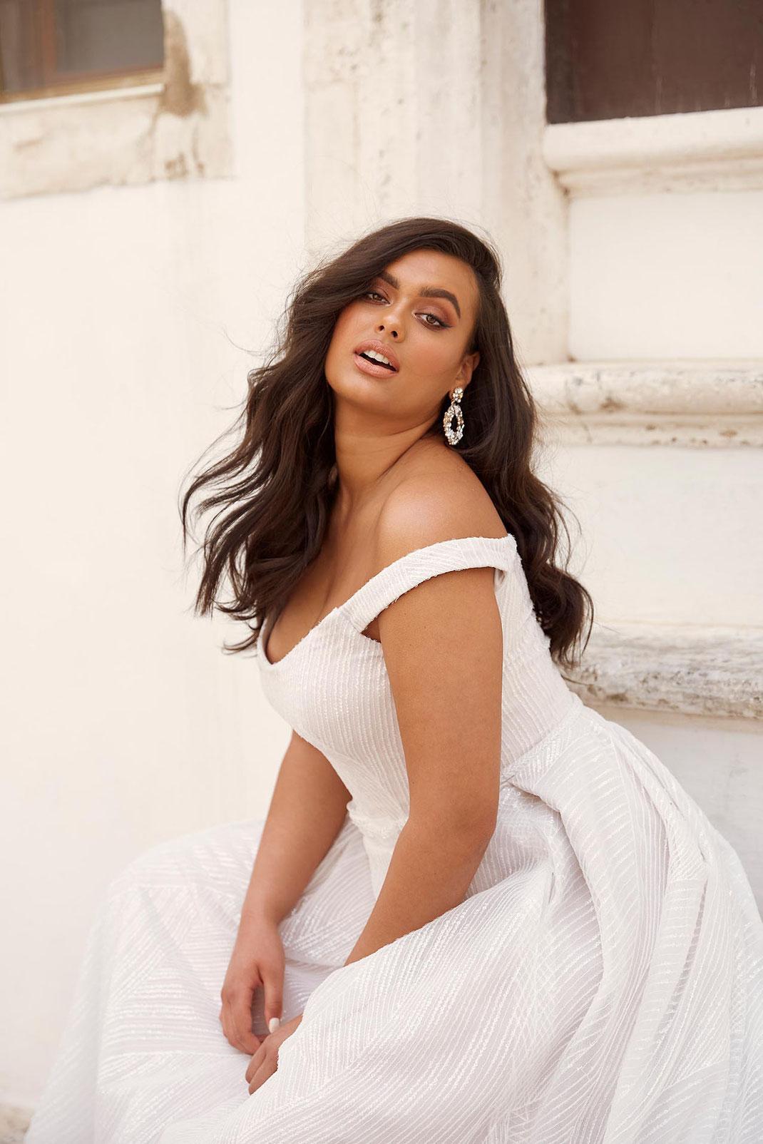 XXL Brautkleid Memphis aus der Madi Lane Bridal Plussize Kollektion erhältlich bei Brautmoden Tegernsee