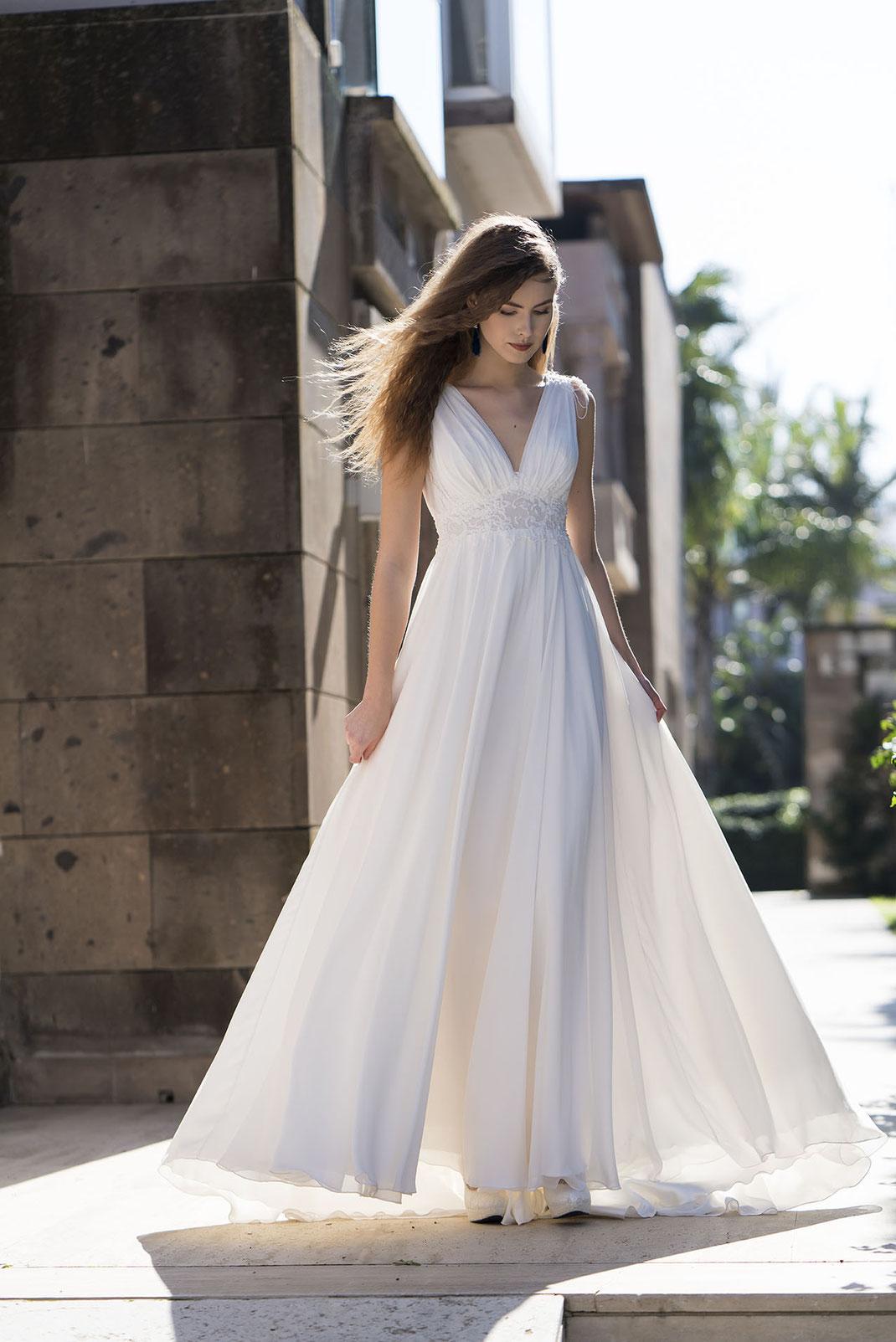 Brautkleid im Empire Stil von Emine Yildirim