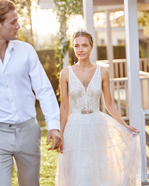Boho Brautkleid Luxan aus der Rosa Clará Boheme Kollektion 2022 erhältlich bei Brautmoden Tegernsee