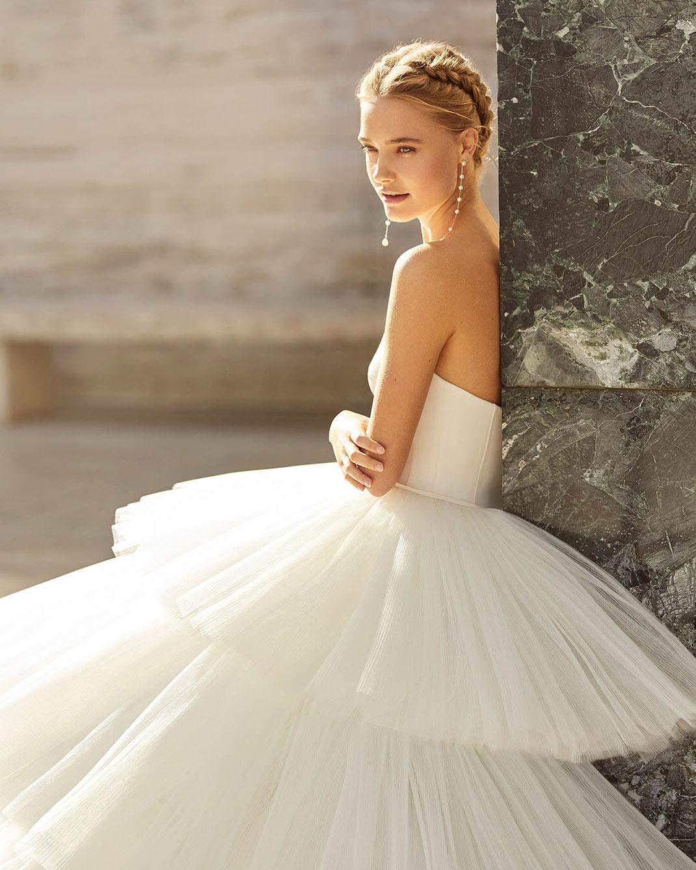 Brautkleider der Rosa Clará Couture Kollektion 2021