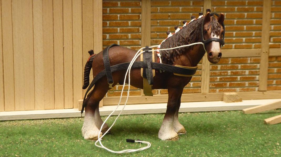Pferde Geschirr / Tack im Maßstab Schleich www.3zinken.de