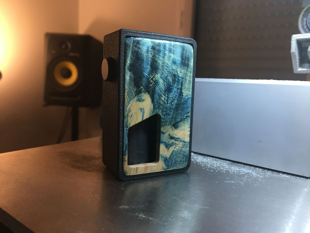 Handcheck, bf, box bottom feeder, box meca bf, squonker mod, frenchtech, modbox bf, bee hive, box mécanique, box méca, box meca, box mécanique bf, box mécanique bottom feeder, 3d make art, minibee, highend, vapoteurs, vapoteuse, madeinfrance,