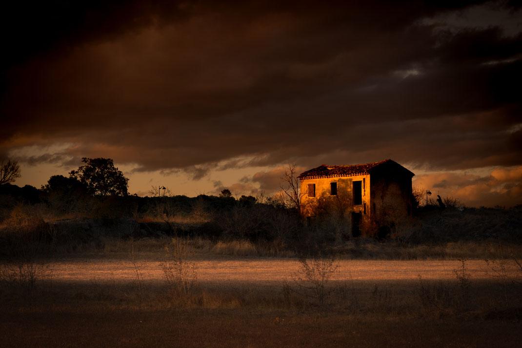 St Privas des vieux (à coté d'Alès dept 30) novembre 2017 - dernier rayon de soleil sous ciel orageux