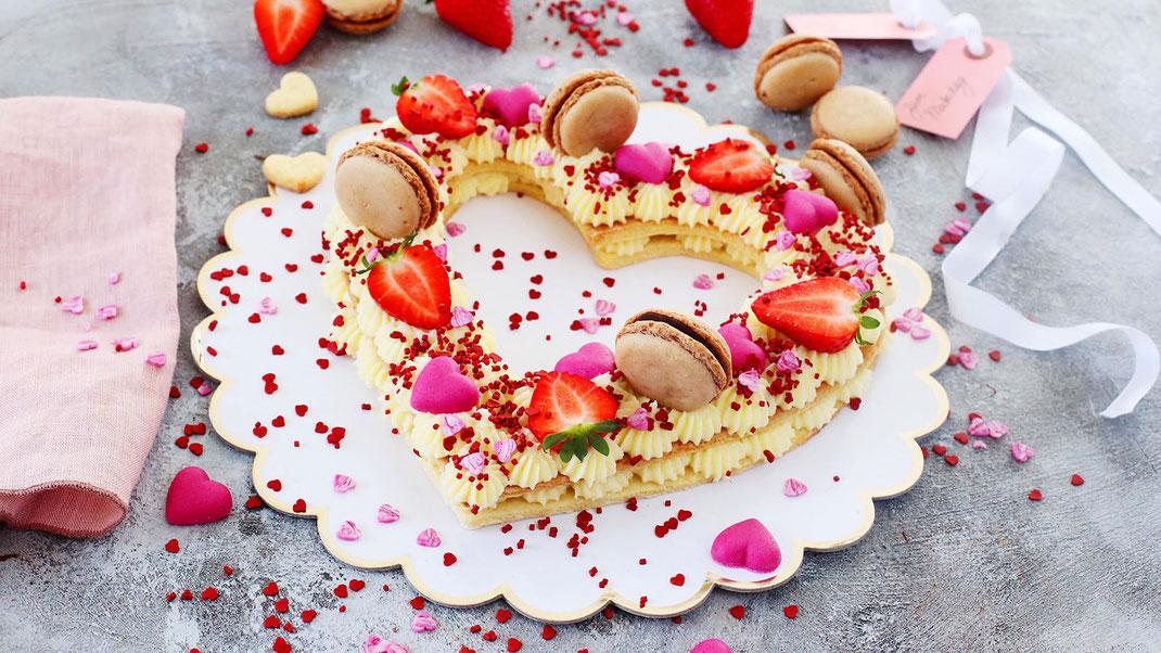 Muttertag, Geschenkidee zum Muttertag  Mami ist die Beste, Mutti ist die Beste, Mama, Richies Bakery, Herzen, Muttertagsherz, Zuckerstreusel, Fondant, Erdbeeren, Ideen aus Erdbeeren, Mai, Dessert, Idee von Richies Bakery