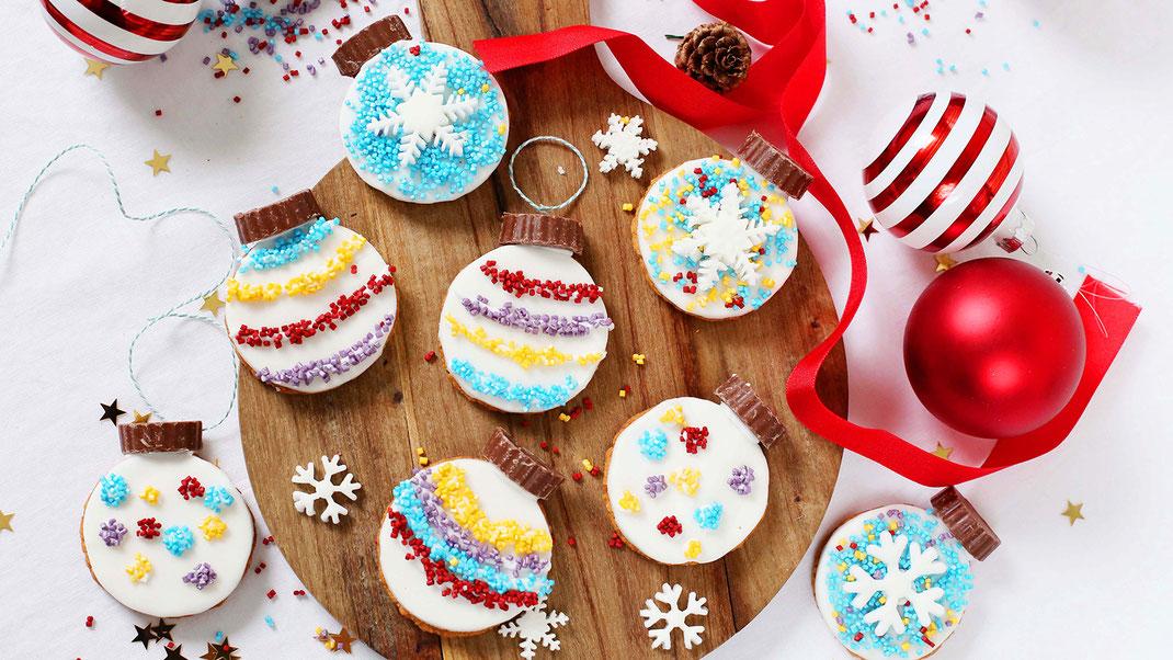 Weihnachten, Fest der Liebe, Backen, Gebäck, Dekorieren, Bunt, Glitzer, Richie's Bakery, Glitzer Cubies, Fondant, Schokokern, Vollmilchschokolade, Trend, Backen ist Liebe, XMAS, XMAS-Time, Fest der Liebe