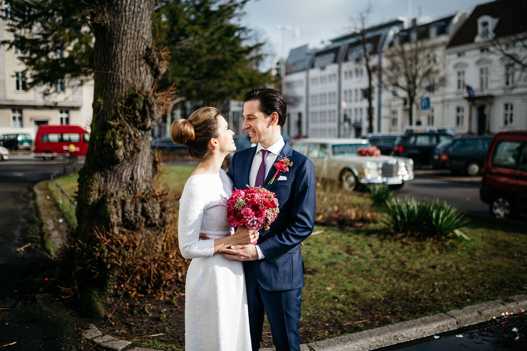 Hochzeitspaar Paarfoto beim Standesamt Altona