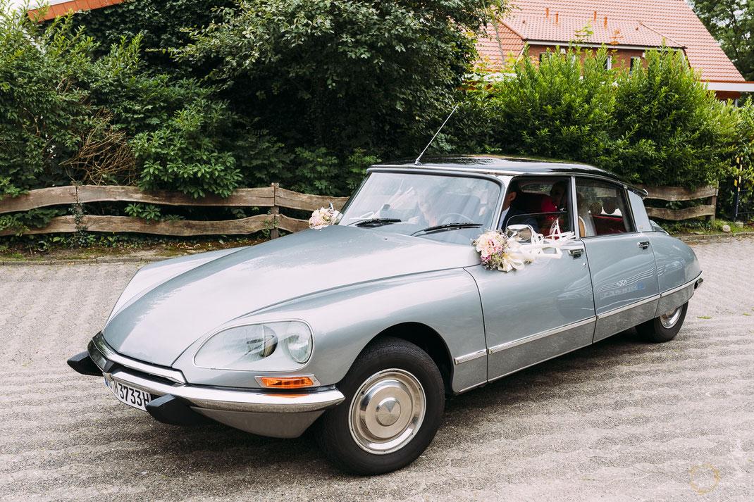 Cooles Hochzeitsauto / Foto: Anne Hufnagl