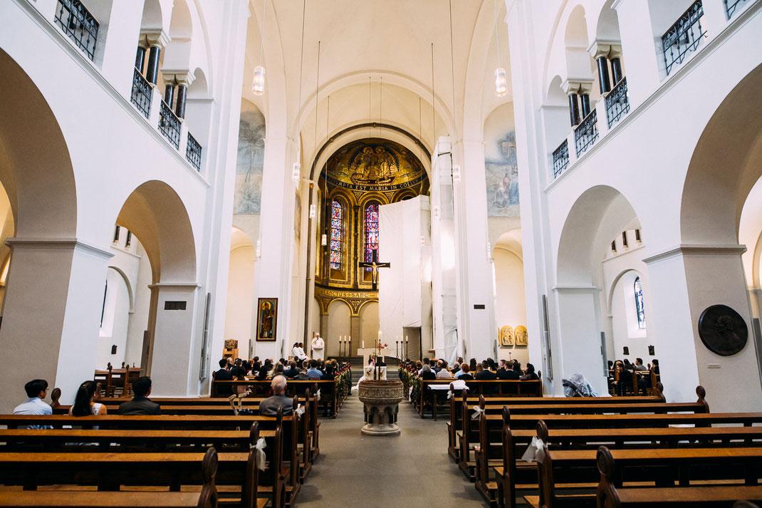 Hochzeit Trauung Marien-Dom Hamburg | Foto: Anne Hufnagl - Hochzeitsfotografie | www.romanticshoots.de