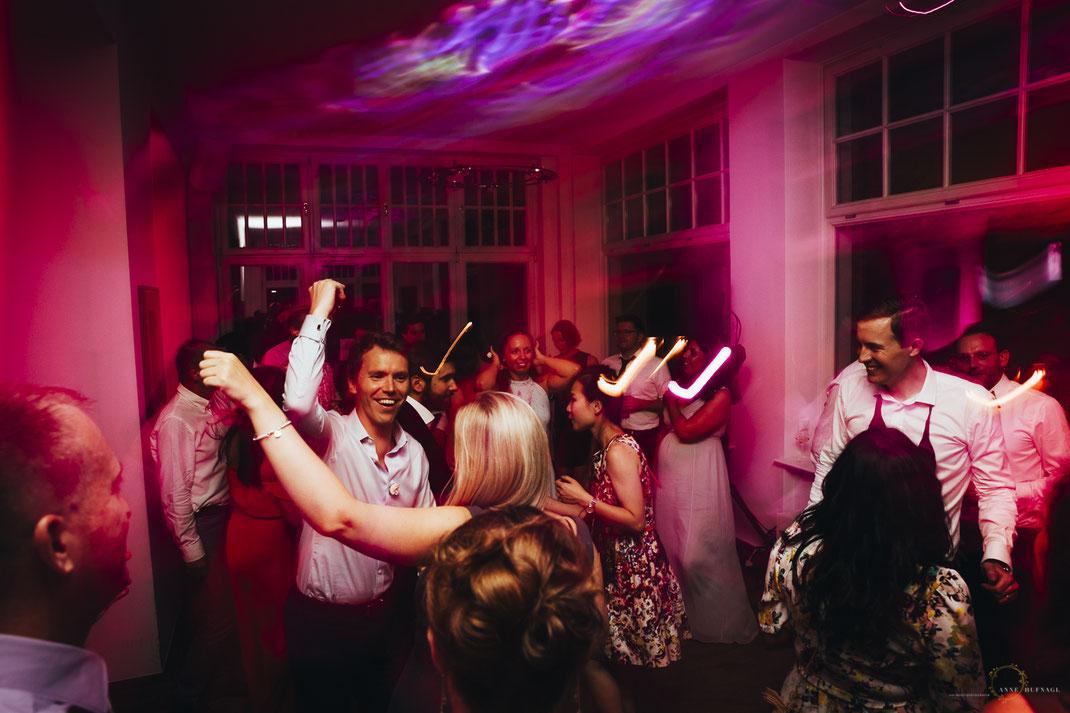 Hochzitsfeier Tanzfläche Villa im Heine-Park
