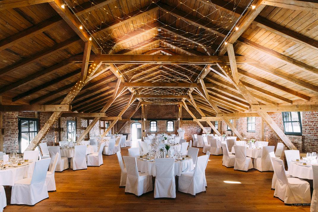 Hochzeitslocation Dachboden Hochzeitsfeier Gut Valenbrook