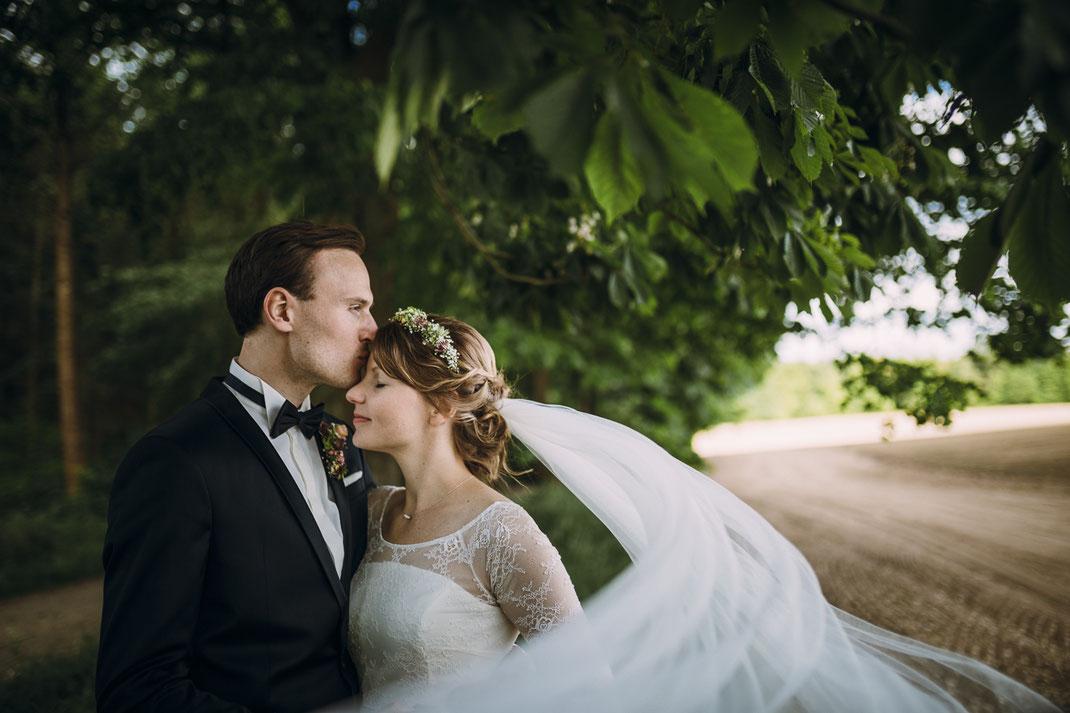 Paarfoto Brautpaar Schleier