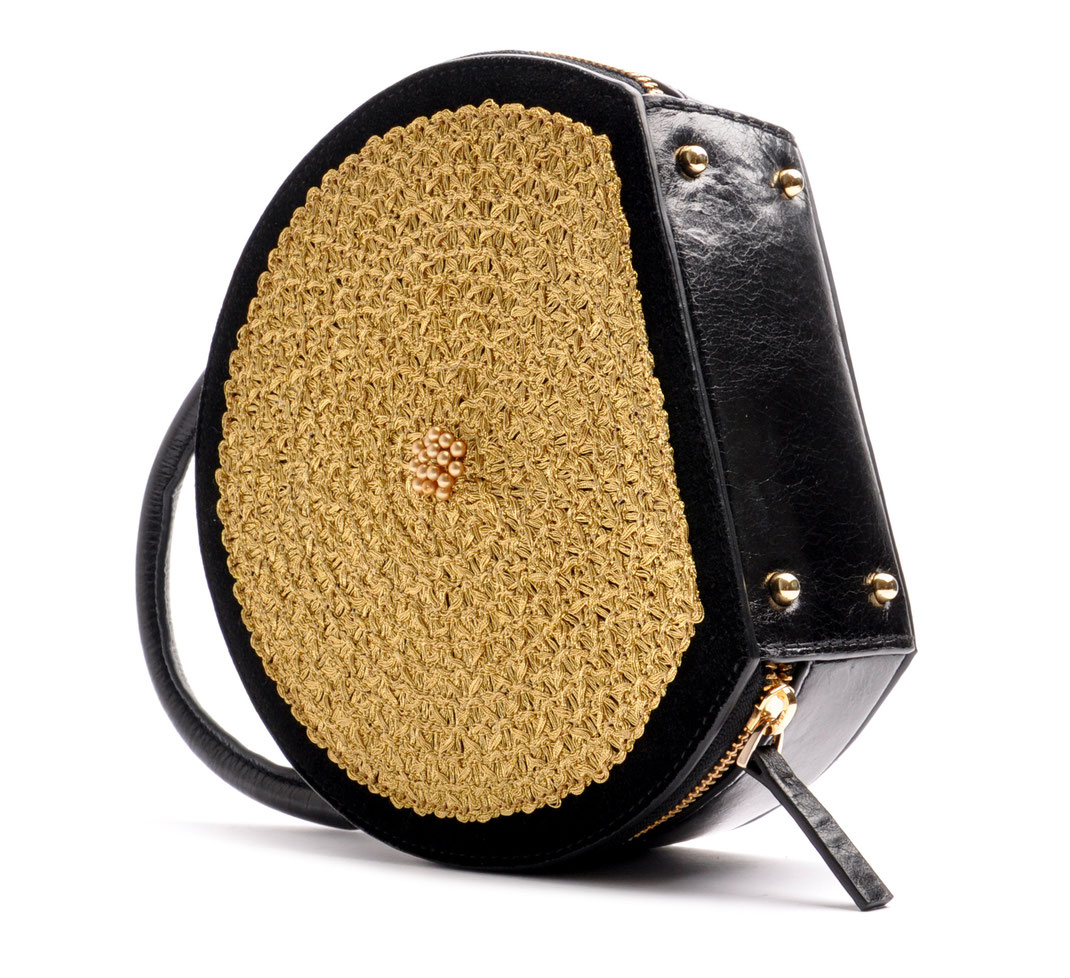 OSTWALD CIRCLE TOTE black . gold Leatherbag in cooperation with Niely Hoetsch