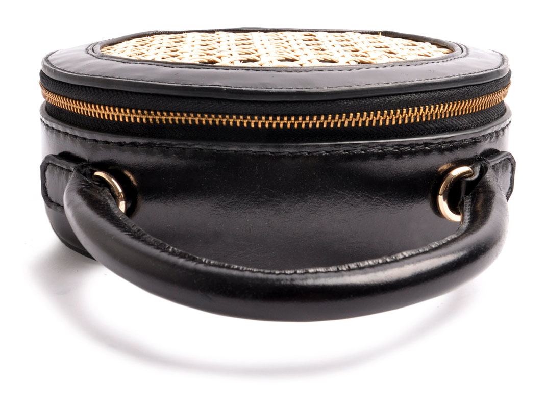 """OSTWALD CIRCLE Bag with  """"Viennese Mesh"""" . black  Leatherbag. Edition Niely Hoetsch"""