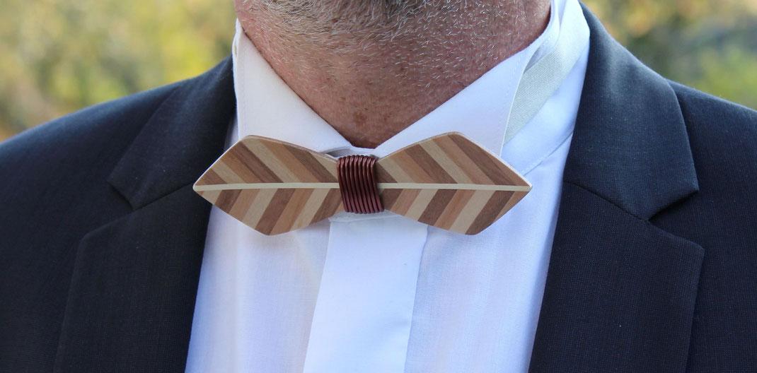 Noeud pap en bois, accessoire homme chic mariage